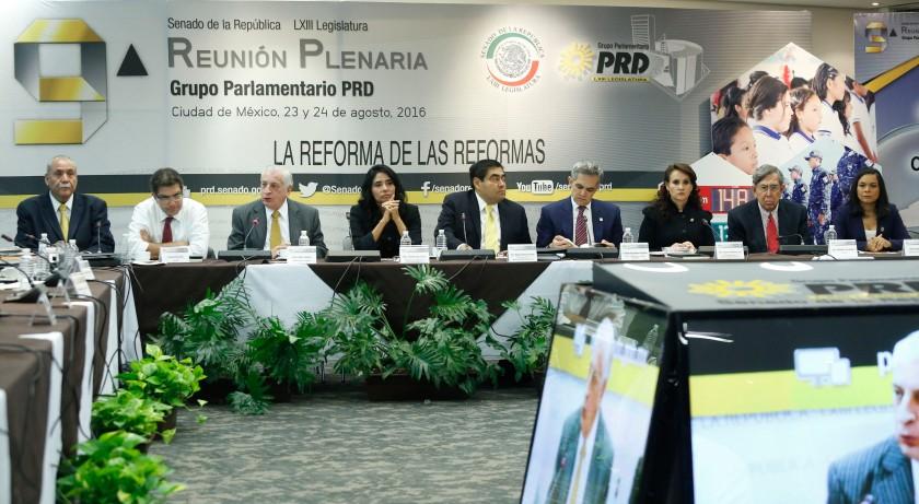 En el Senado de la República, en la Asamblea Plenaria del Grupo Parlamentario dl PRD